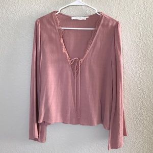 ASTR The Label Mauve Top With Flared Sleeves